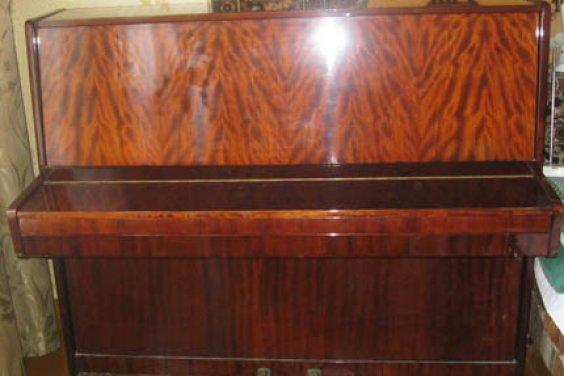 Пианино зазвучало идеально после прикосновения рук настоящего мастера