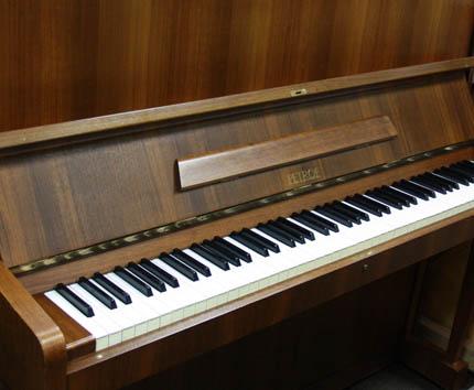 пианино Petrof Koncertino