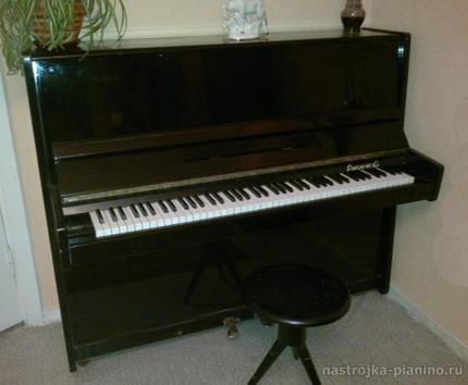 Это пианино было верным спутником